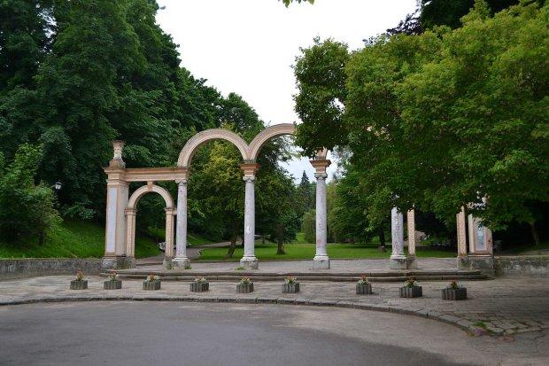 Львів'ян попередили про велику небезпеку: краще утриматися від відвідування цього місця 72 години