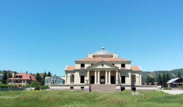 Журналісти знайшли розкішний будинок Саакашвілі в Грузії