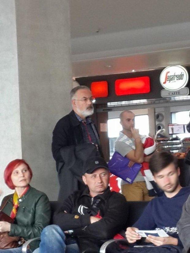 Екс-міністра освіти Дмитра Табачника сфотографували в Борисполі