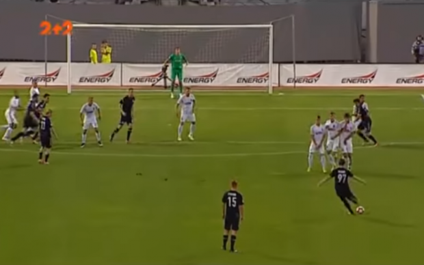 Хавбек Сталі забив неймовірний гол зі штрафного в стилі Роберто Карлоса