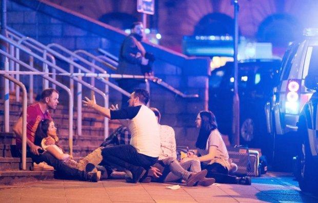 Жертва теракту в Манчестері вижила завдяки телефону