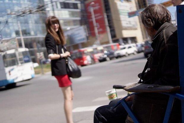 Українці, які виживають на копійки, отримають допомогу, а їхні діти - захист