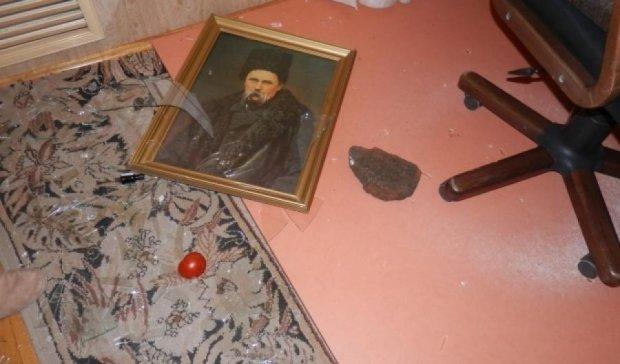 В украинском консульстве в Ростове-на-Дону учинили погром