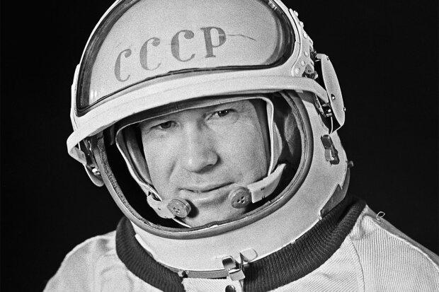 Умер первый человек, побывавший в открытом космосе: как проходил уникальный полет Алексея Леонова