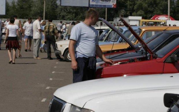 Стала известна средняя цена растаможенного в Украине авто