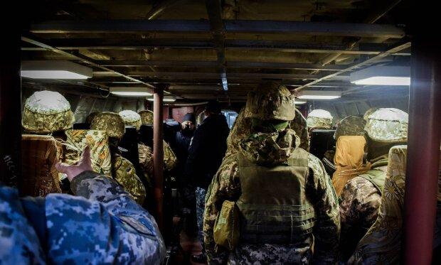 Одесо, зустрічай героїв: морські піхотинці повертаються додому із буремного Донбасу