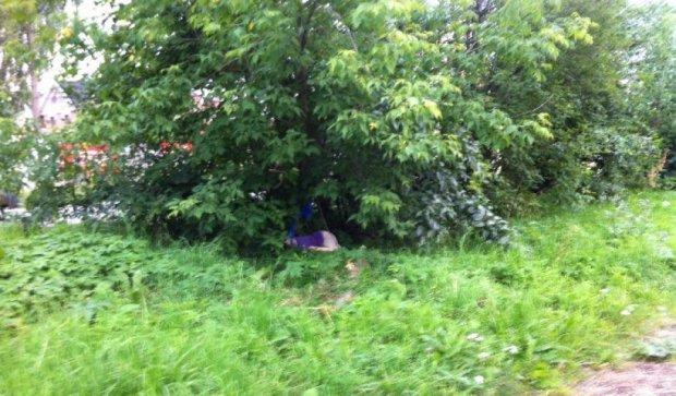 На столичній Русанівці безліч міліції — знайшли труп