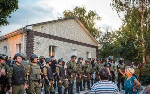 Рейдерський захват на Кіровоградщині: ветерани АТО побилися з поліцією