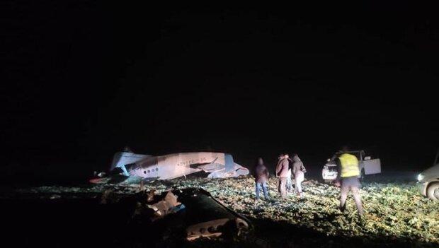Под Тернополем упалт самолет, фото: Национальная полиция