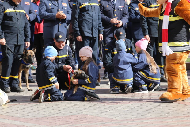 "Рятувальники, фото: ""Наш Київ"""