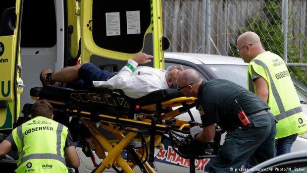 Неадекват із Біблією знімав розстріл мечеті на відео: десятки вбитих і поранених, криваві кадри розправи