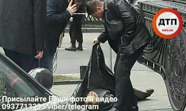 Порошенко зірвав Грицака з брифінгу через вбивство Вороненкова