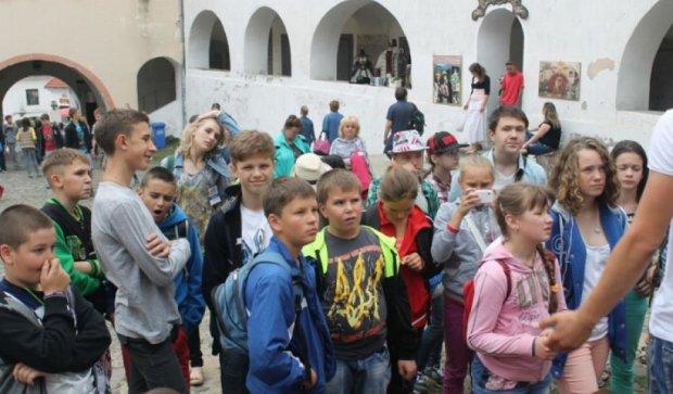 Чехии оплатит отдых 500 школьникам Донбасса