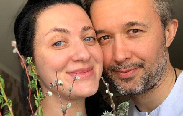 """Сергей и Снежана Бабкины покрестили маленького сына в очень необычной церкви: """"Пример для подражания"""""""