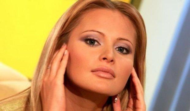 Дана Борисова стала брюнеткою (фото)
