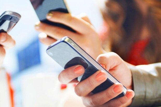 """Масштабний збій у Facebook """"заморозив"""" Instagram і WhatsApp"""