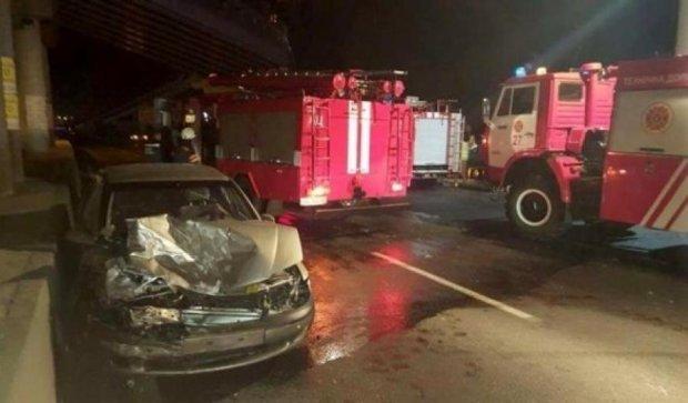 Автомобиль посольства Азербайджана стал  причиной ДТП