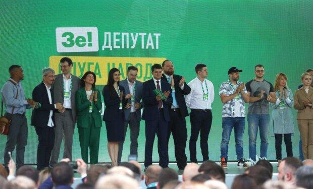 """Двох """"слуг народу"""" з Одеси пропустять через детектор брехні: в чому підозрюють депутатів із партії Зеленского"""