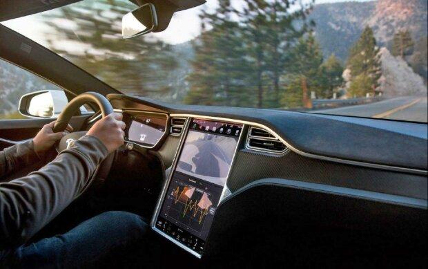 Моторошна аварія з Tesla показала всі жахи електрокарів: труна на колесах