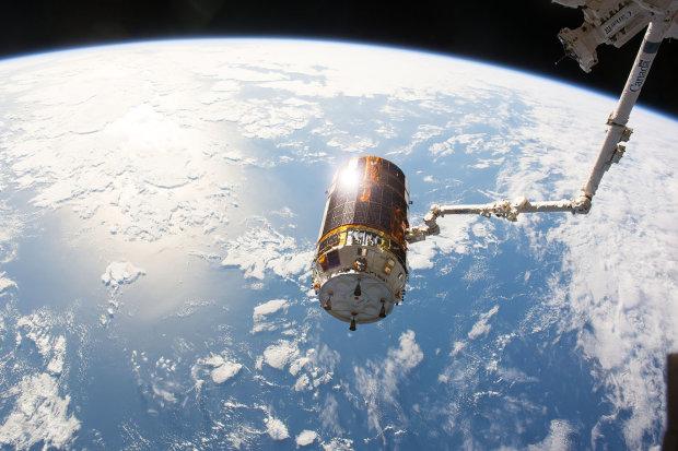 250 космических объектов разрушились на орбите Земли