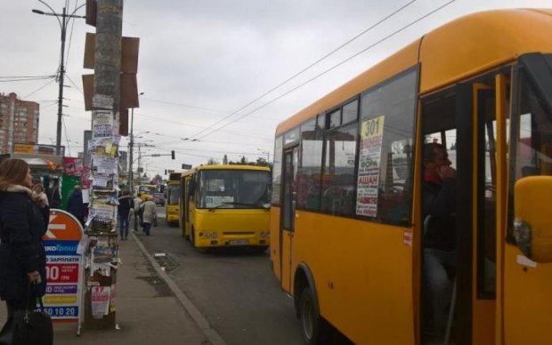 Тысячи украинцев задело скотство очередного маршрутчика