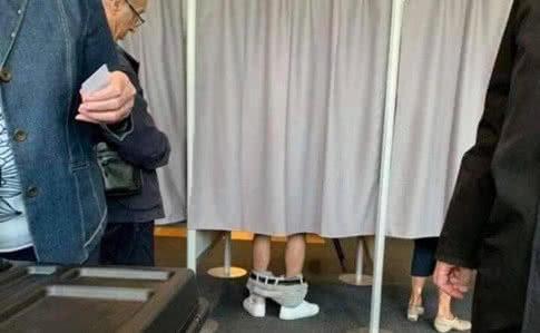 Самые абсурдные события выборов в Раду: били топором и снимали штаны