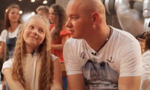 Варвара Кошова з батьком, кадр з інтерв'ю для ЖВЛ: YouTube