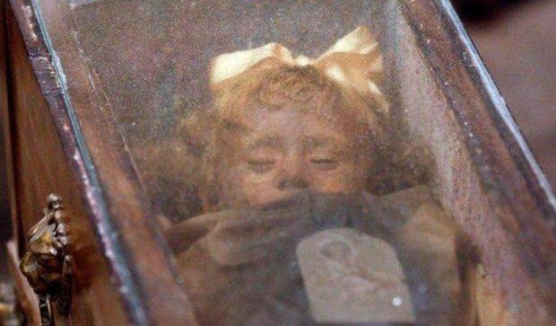 У Мексиці мумія відкрила очі на богослужінні