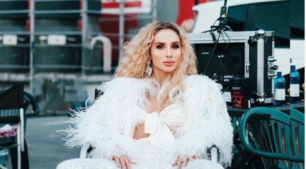 """Светлана Лобода в коротеньком платье показала Алану Бадоеву немного лишнего: """"Все для тебя"""""""