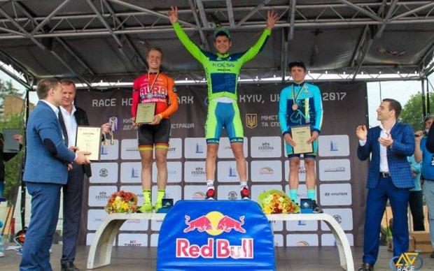 Українець Кононенко виграв першу велогонку Race Horizon Park 2017