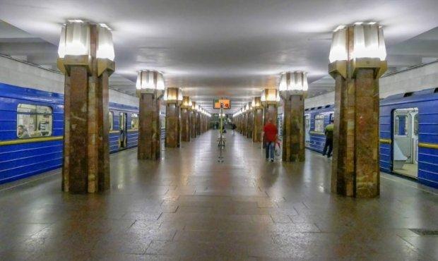 """У київському метро з'явиться 4G: список """"щасливих"""" станцій"""