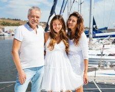 Регіна Тодоренко з батьками