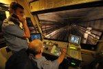 НП у столичному метро: люди застрягли в зламаних потягах, усіх виводять по тунелю