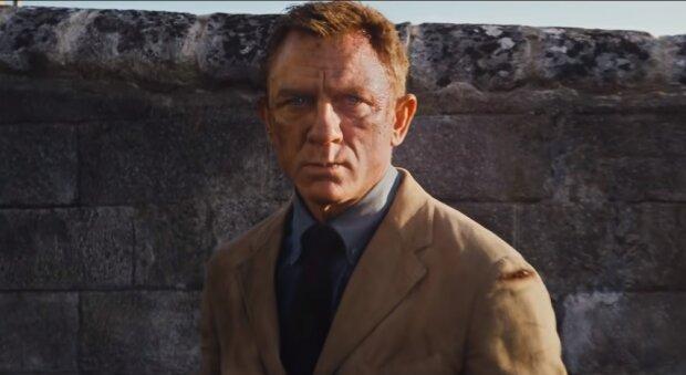 007: Не час помирати, YouTube
