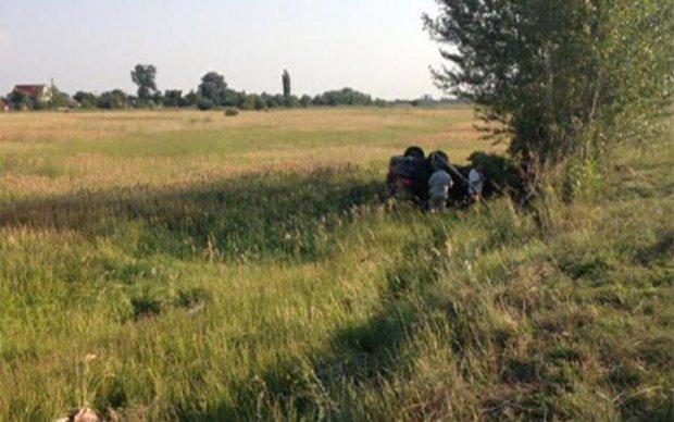 Під Дніпром BMW X4 розчавив мопед: загинув підліток