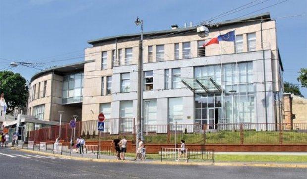 У СБУ есть две версии взрыва возле польского консульства во Львове