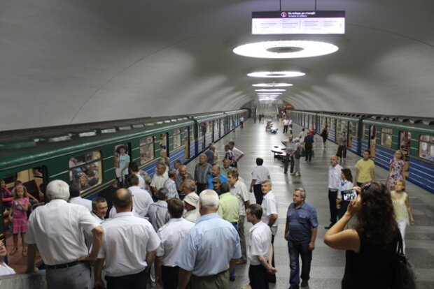 А якщо закортить? Харків'яни звернулися до Кернеса через туалети в метро