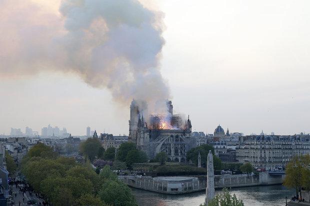 Реконструкція Нотр-Дама: головний архітектор повідомив всьому світові сумні новини