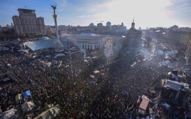 Остання з родини героя: померла мати символа Майдану