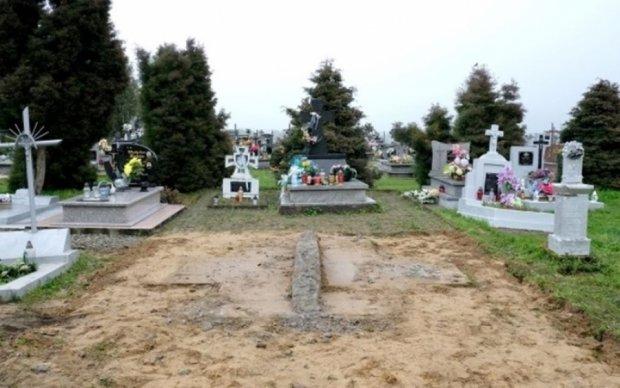 Польща пояснила провокацію з пам'ятником бійцям УПА