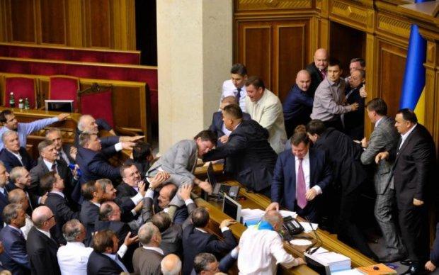Думка: українським дипломатам та політикам слід негайно активізувати свою роботу