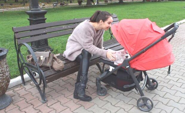 """Матерям 10 лет, отцам - 1: украинцы хотят """"накинуть"""" стажа за воспитание детей"""