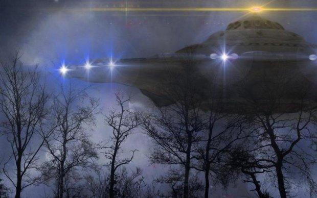 Цілу флотилію НЛО зафільмував звичайний далекобійник