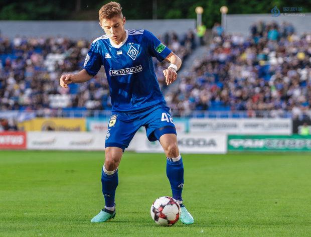 Молодые звезды Динамо подписали новые контракты с киевским клубом