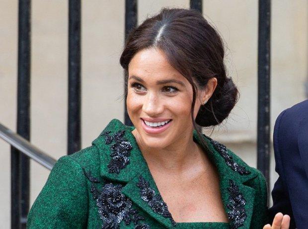 Меган Маркл шокировала выбором платья за $2,3 тыс. для фото Vogue: такого себе не позволяет даже королева