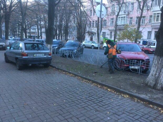 Комунальники осоромилися за кілька днів до зими, фото: нецікавий Київ
