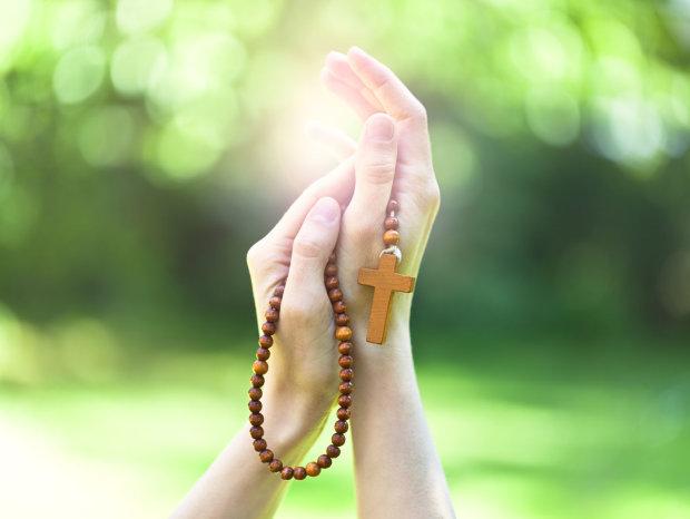 """Молитва """"Отче наш"""": цю таємницю Слова Божого ви не почуєте від священиків чи батьків"""