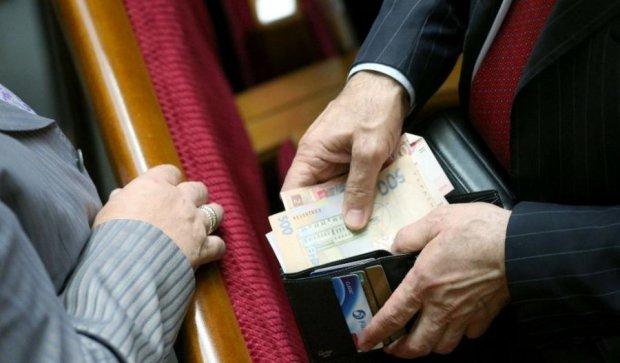 Бедные депутаты: на что тратят госфинансирование партий