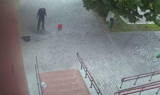 На Тернопольщине отчаявшийся мужчина поджог себя из-за пенсии
