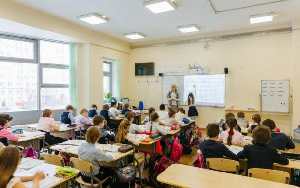 Украинцы схватились за головы, заглянув в учебники своих детей
